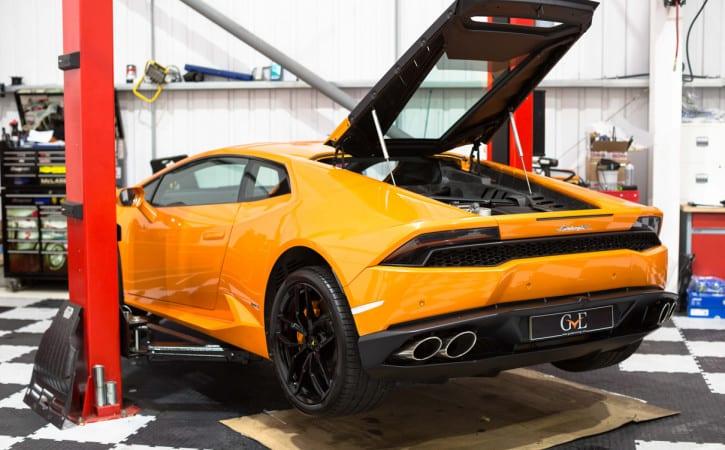 Lamborghini-Huracan-Orange-Service-GVE-London